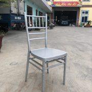 ghế tiffany màu bạc