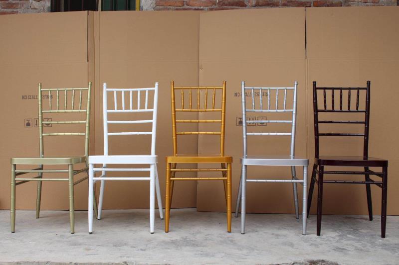 Các mầu ghế chiavari tiffany